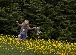nr 15 Karin McMillan -Dreng i Trebah Garden