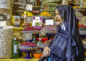 nr 3 - Evelyn Pettersson Fiig -kvinde i basar i Shiraz( Iran)