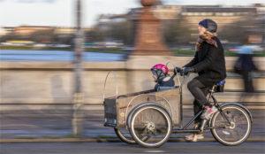 nr 8 Ove Lyngsie - Kvinde på Christiania cykel